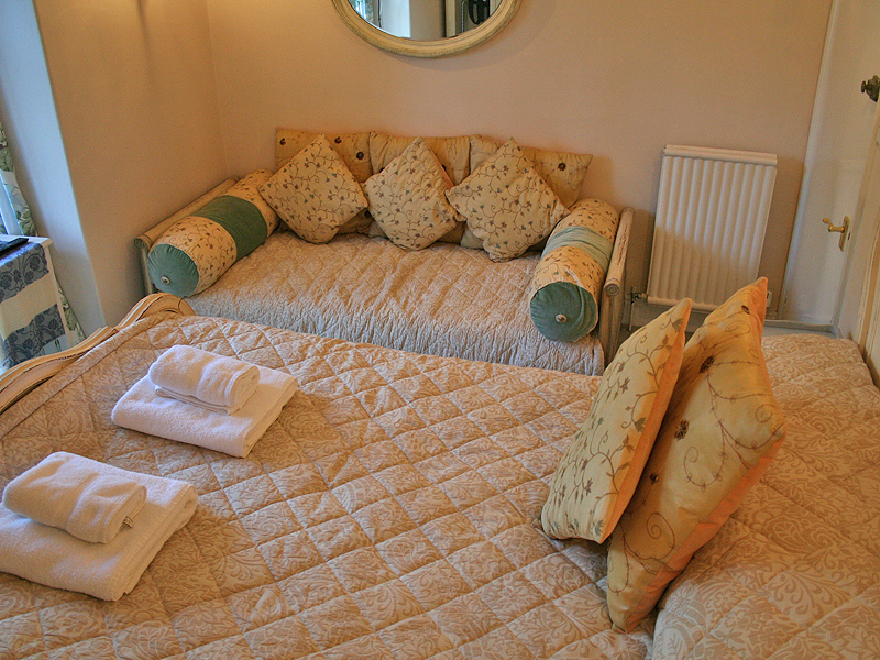 the dalesway, room at blenheim lodge, bowness on windermere, lake district