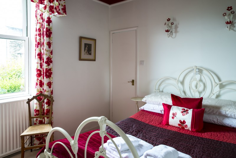 The Poppies is priced at only £265 per person for SEVEN nights Bed and Brekafast.